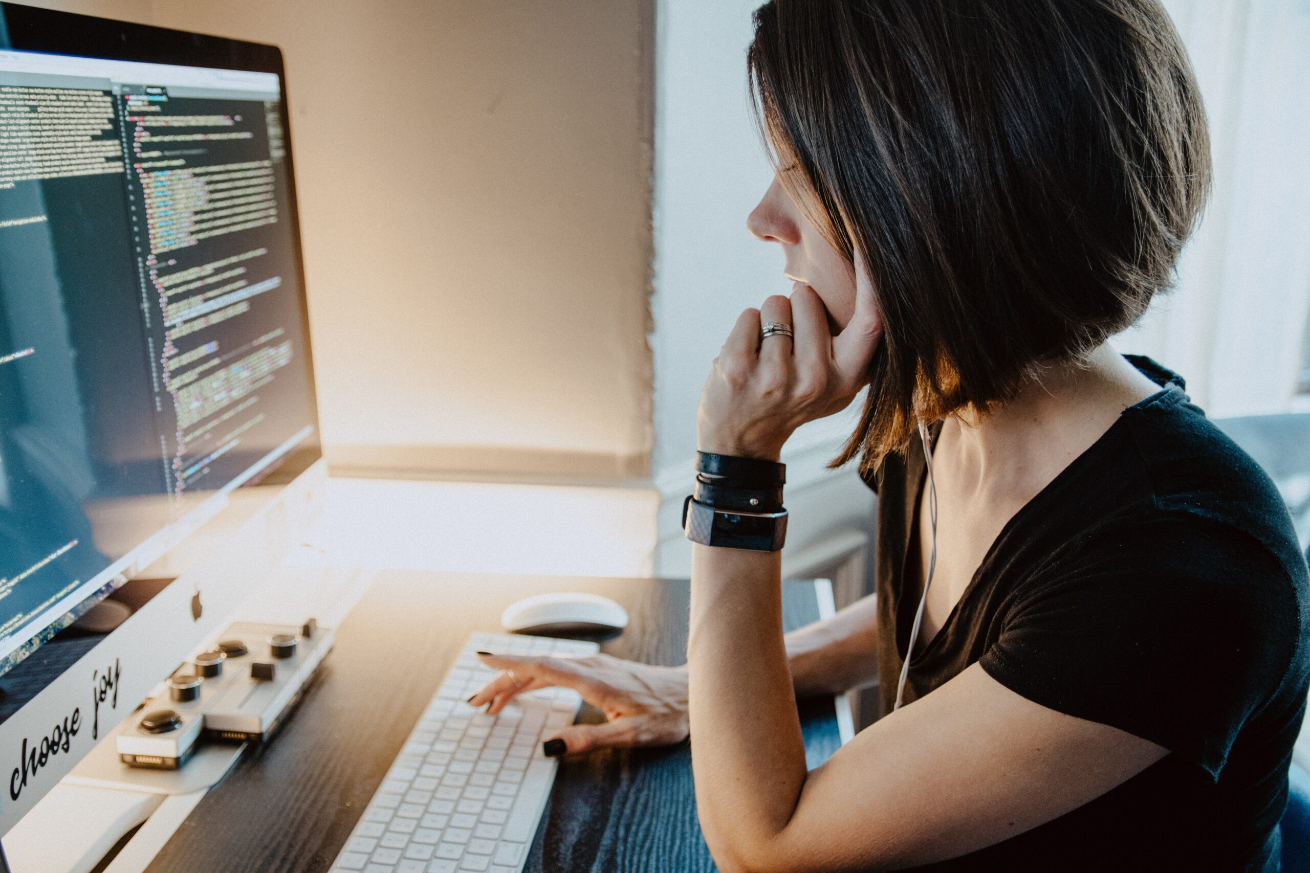 woman on computer improving website accessibility
